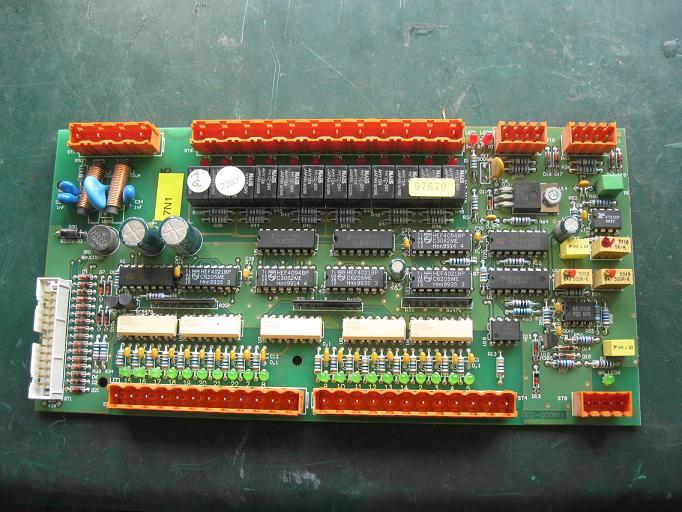 北京亚泰烨通电子科技有限公司位于北京市中关村,是一家集销售、开发和维修为一体的高科技企业。公司工程部拥有先进的智能电路板综合测试仪、逻辑分析仪、多踪示波器、半导体图示仪、编程器和经验丰富的电子维修工程师。已为众多企业和供应商修复了大量的电路板和机床控制设备。 维修范围:(所有自动化设备和机床控制及驱动板。) 工业自动化控制板。数控机床电路板、PLC、工控机。DCS系统的主模件、子模件I/O板、通信模件、端子板等。各种变频器、直流伺服驱动器。各类电源。工业显示器、触摸屏。电梯板、印刷板及其它电子