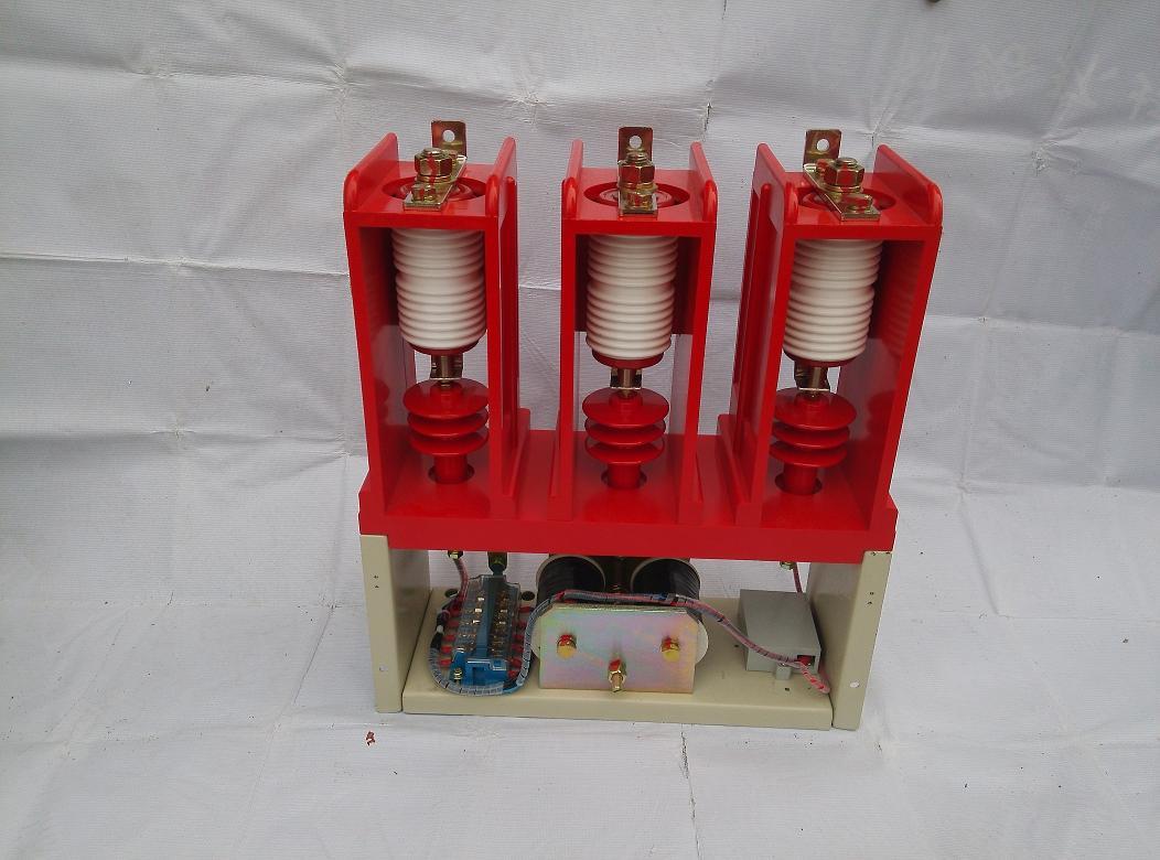 接触器电源板上的接线