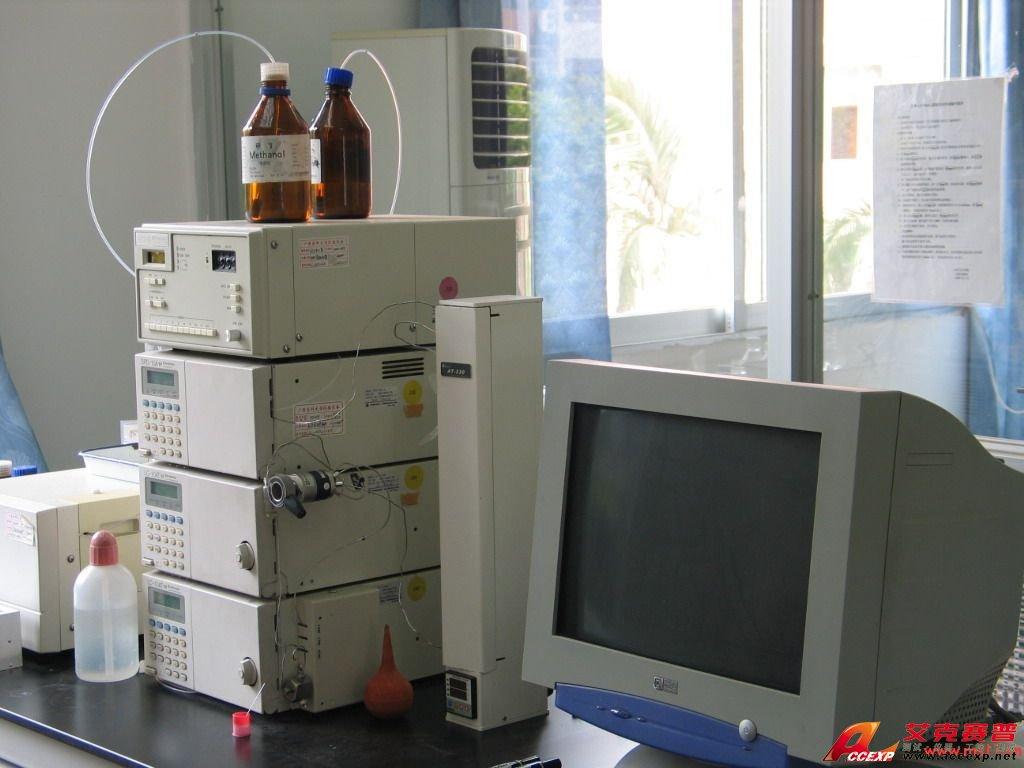 岛津 LC-2010HT液相色谱仪 产品说明: 高效液相色谱仪 LC-2010HT 型号:2011-3-14 LC-2010HT是通过高速进样及多样品处理大幅提高了分析效率的一体型智能化HPLC。如果使用自动启动、停机功能、自动有效性功能,则可实现分析、管理自动化,进一步提高了生产效率。另外,图解式画面和模块功能使操作更为便利。 特点: · 输液部 微程串联双柱塞方式,可梯度洗脱(定压混合方式) · 进样部 进样速度:15秒(10μL进样时) 样品处理数:350(1mL